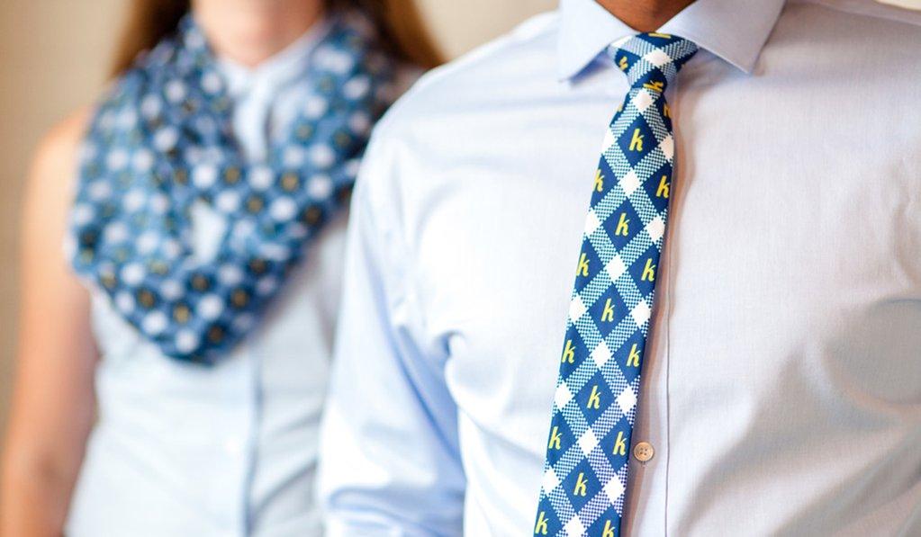 Logózott nyakkendő készítés