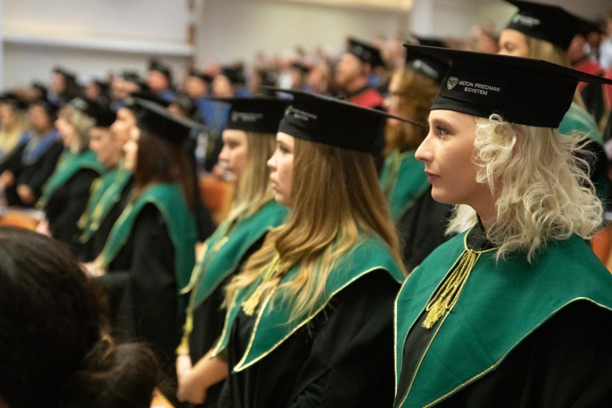 Diplomaosztó - Talársapka > Milton Friedman Egyetem