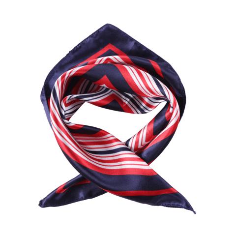 Egyedi mintas  selyemkendo