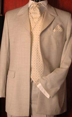 EF16 - Homokszínű esküvői öltöny