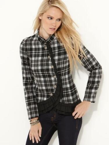 NB06 - kockás női kabátka